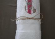 détail-serviettes-brodées